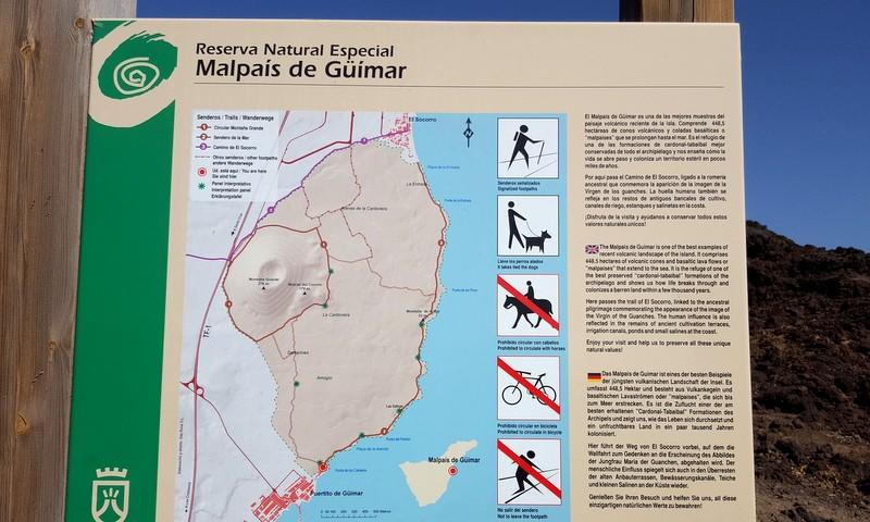 Bord met wandelroutes door Mailpas de Güimar