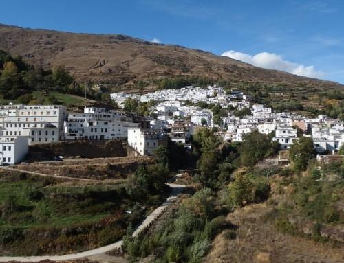 Wandelen in Las Alpujarras: kale vlaktes en hoge toppen