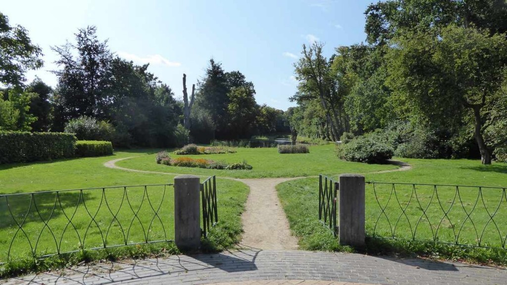 Lanterfanten in Beetsterzwaag - ingang overtuin van Lyndenstein