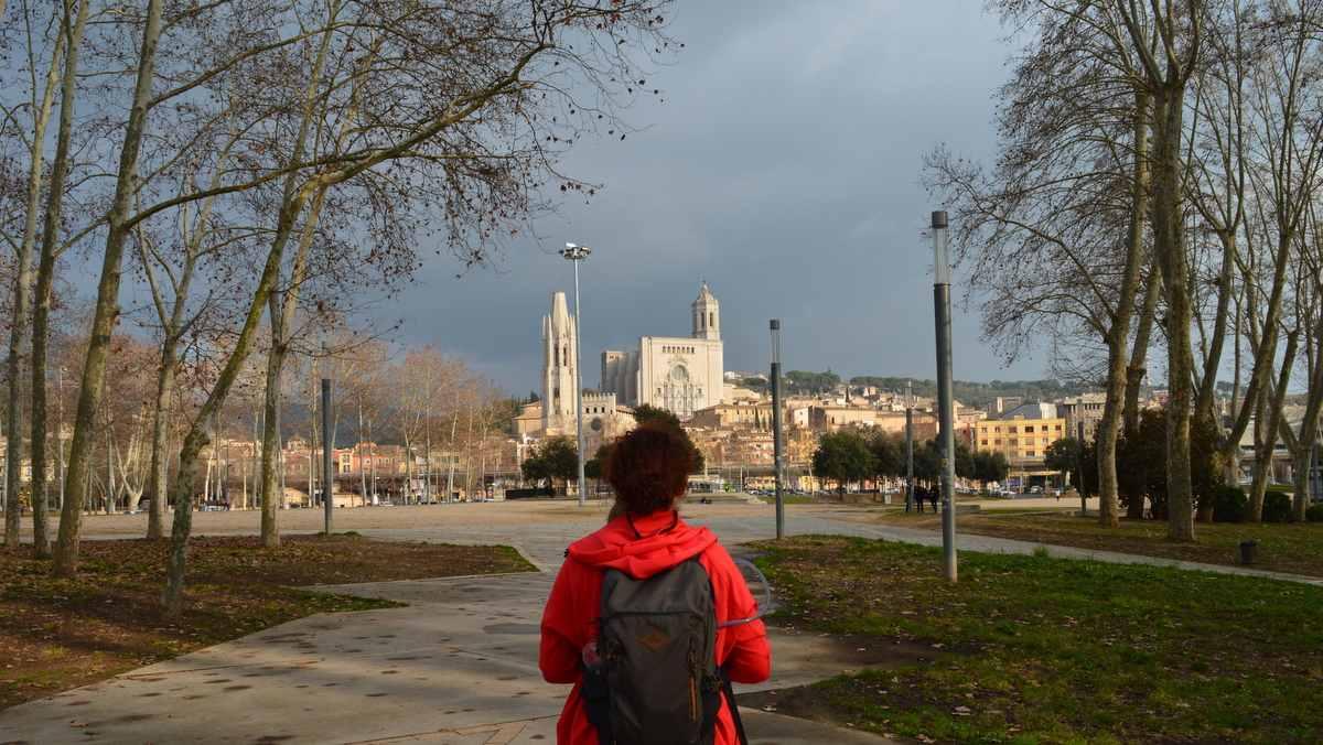 Wandelvrouw tijdens de wandel 4 daagse Girona