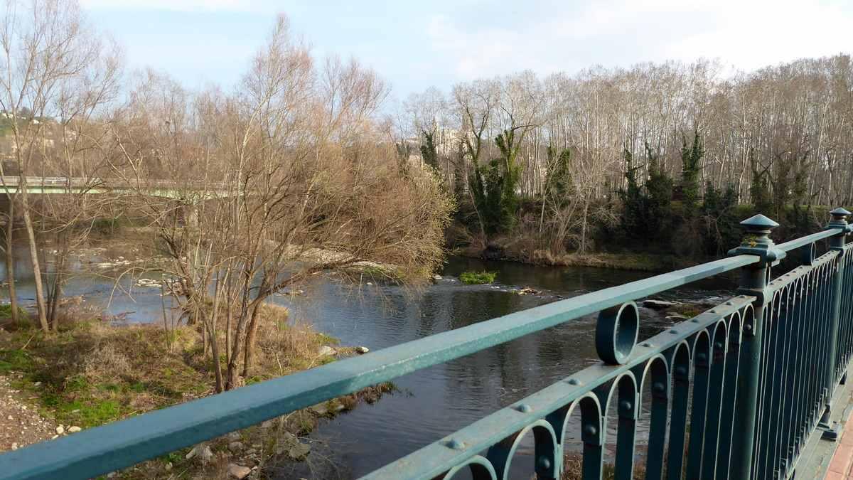 Loopbrug over de rivier Ter - Girona
