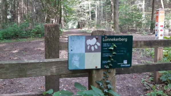 Wandelen op de Lonnekerberg
