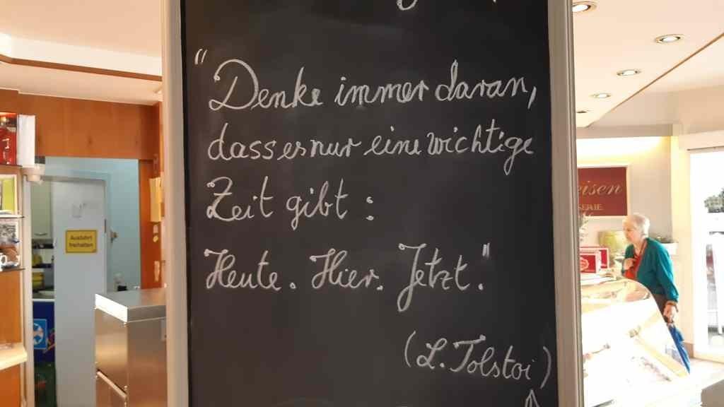 Spreuk in conditorei Gemünd
