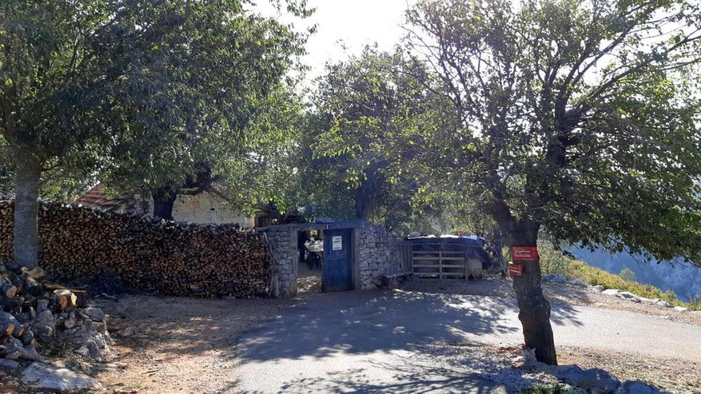 Het huis van de geitenboer, start van de wandeling naar de rivier Krupa