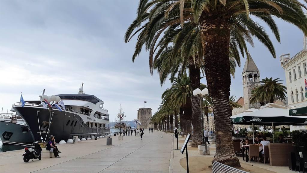 Kroatie - Stadswandeling Trogir - Boulevard
