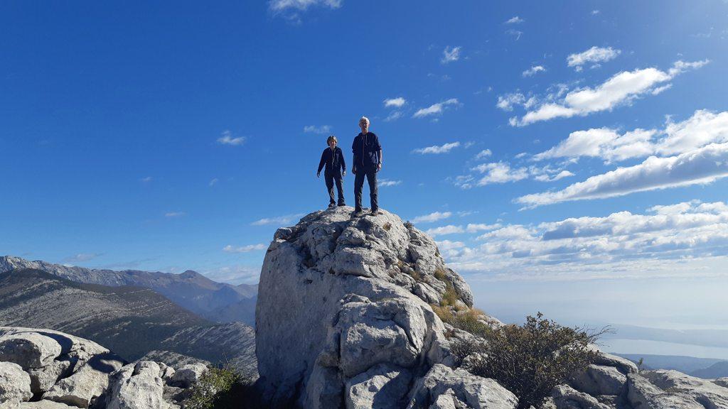 Griet en Anri op de top van Bojin kuk